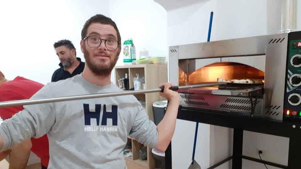 Corso-farina-alla-pizza-3-Sipuodaredipiu-Onlus